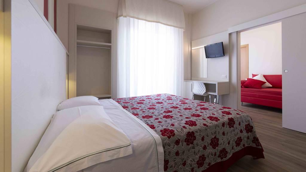 Hotel-Rondinella-e-Viola-Rimini-chambre-0866