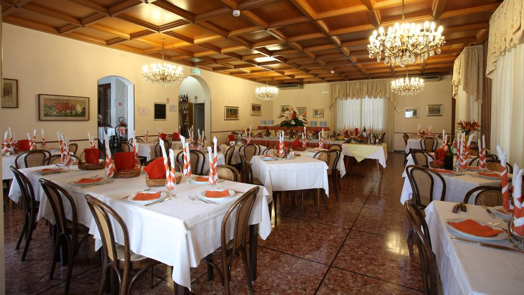 Hotel-Rondinella-e-Viola-Rimini-restaurant-2089