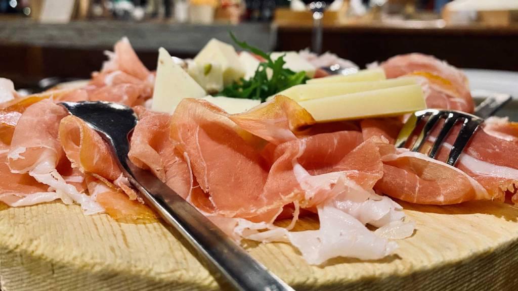 Hotel-Rondinella-e-Viola-Rimini-meatcut-restaurant