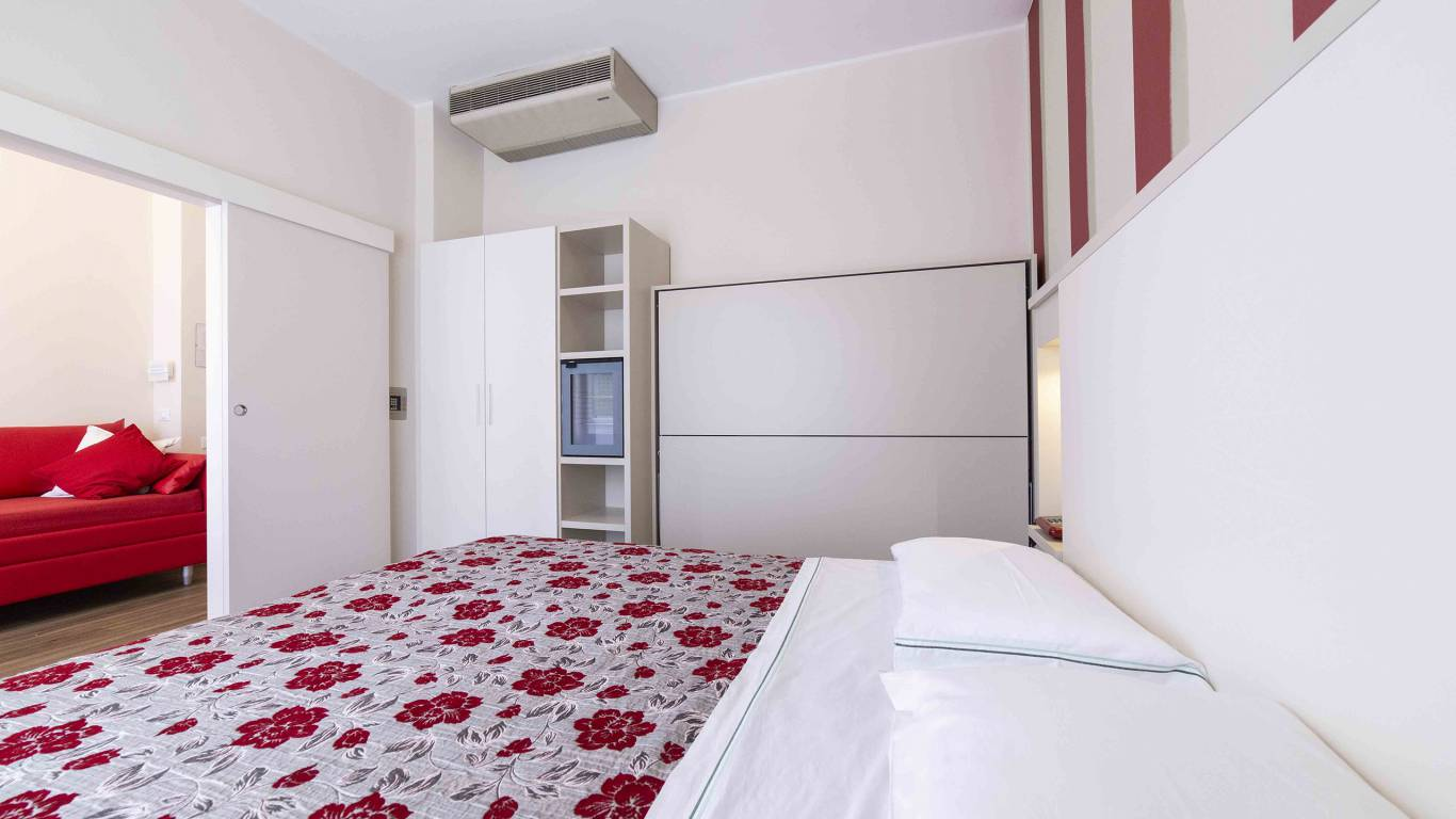 Hotel-Rondinella-e-Viola-Rimini-Zimmer-0843