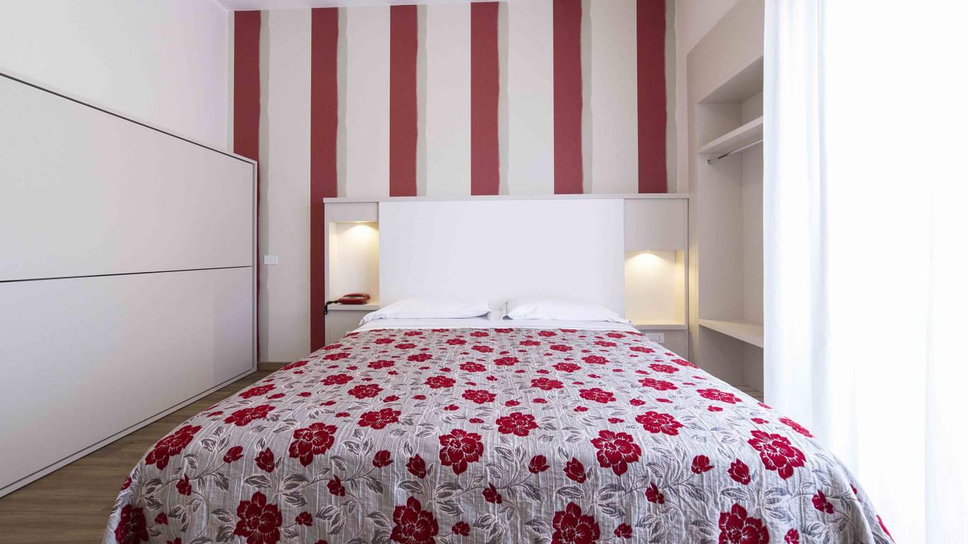 Hotel-Rondinella-e-Viola-Rimini-chambre-0846