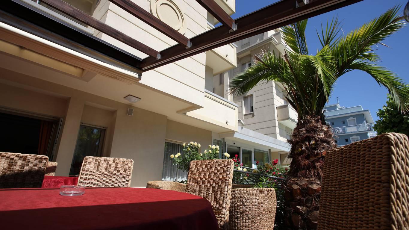 Hotel-Rondinella-e-Viola-Rimini-espaces-ouverts-0370