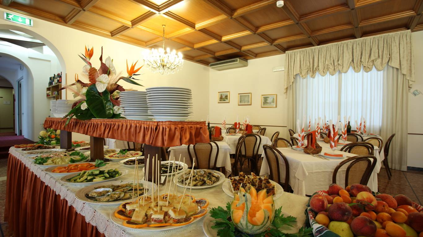 Hotel-Rondinella-e-Viola-Rimini-restaurant-2098
