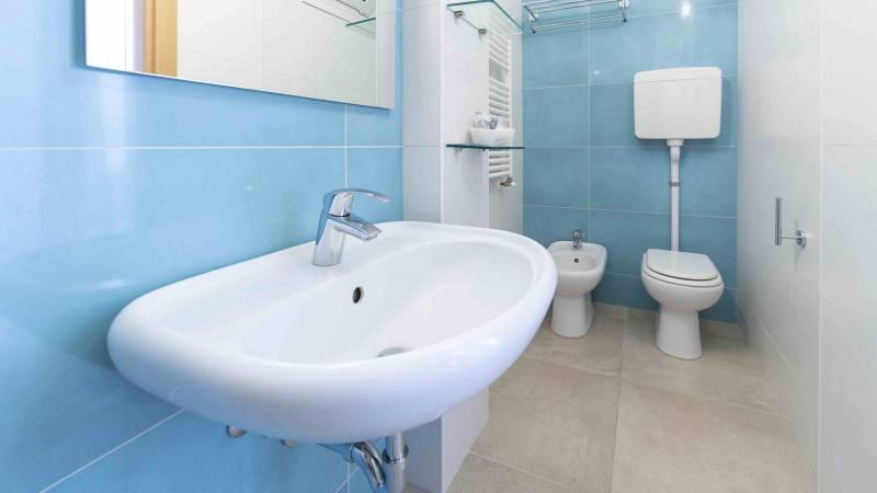Hotel-Rondinella-e-Viola-Rimini-salle-de-bain-1027