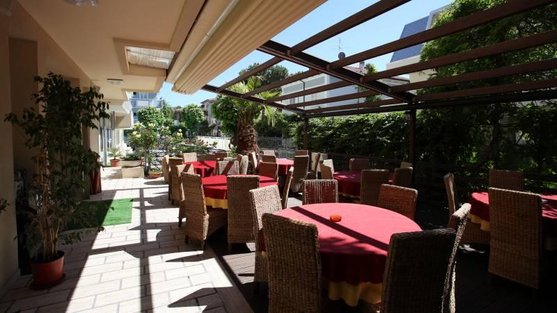 Hotel-Rondinella-e-Viola-Rimini-espaces-ouverts-0359